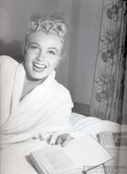 Marilyn Monroe in Bathrobe