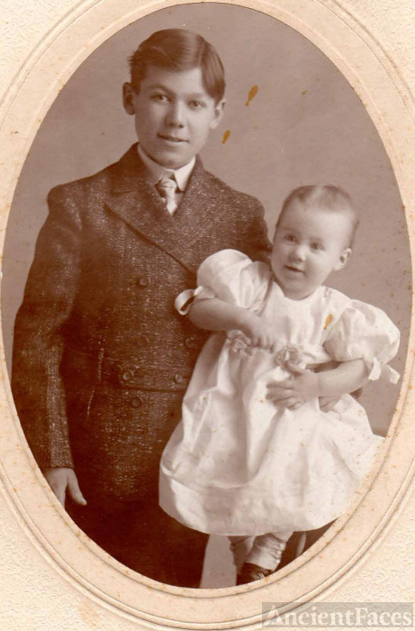 Earl and Clara Montgomery
