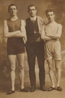 Dempster men? Edinburgh, Scotland 1909