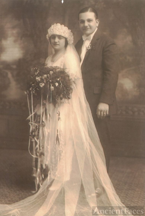 Thomas & Jeannette (Dellecave) Arbino, Ohio 1925