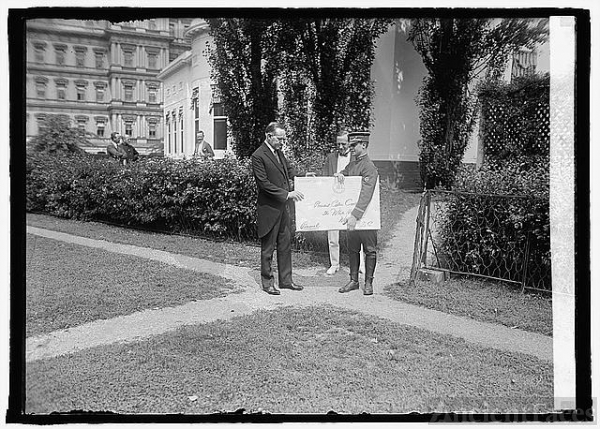 Pres. Coolidge & birthday card, [7/4/24]