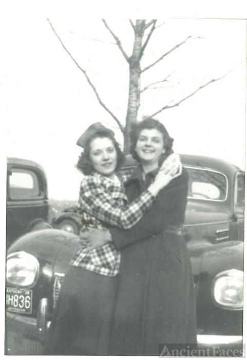 Lillian & Lois Vertrees, Kentucky 1940