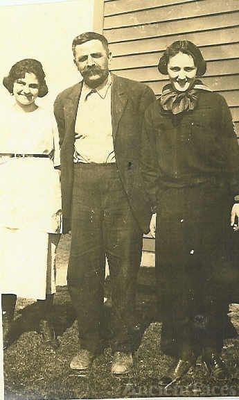 Bertha Sheeks, Lawrence Sheeks,  Carmie Colglazier