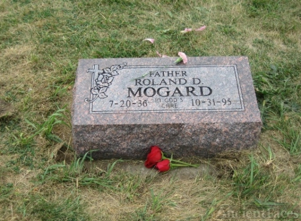 Roland D. Mogard, Headstone South Dakota