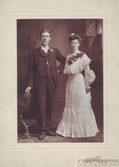 Gus and Lizzie (Voepel) Schubert, 1904