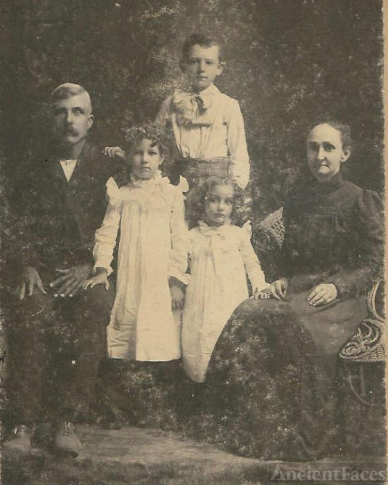 Jonathan H John  and wife Alice Bethunia Spear