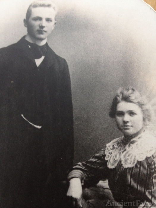 Anna and Ole Larsen