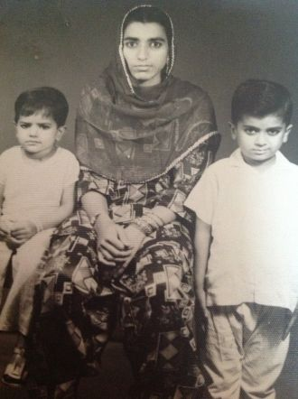 Nubeel T Alvi, mother and brother