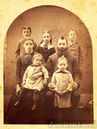Leonidas Snell and Family