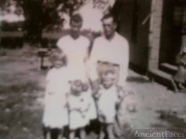 David E Vaughn Family, Arkansas 1950's