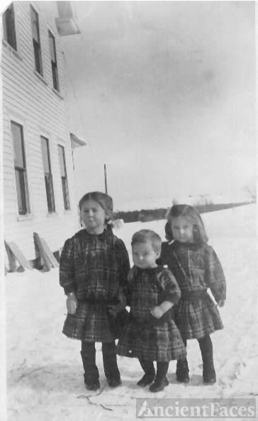 Aunt Lorna, Aunt Mildred, Uncle Stub[Elbridge] Merritts [Hodgdon, ME]