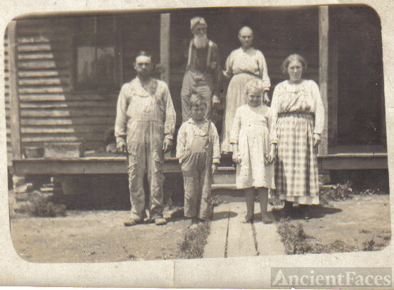 James Marion Wells, Minerva Jane Wells, Jim,Jimmie, Sadie and Allie Wells
