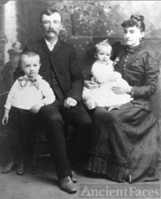 William & Sarah (King) Sutton family, VA 1895
