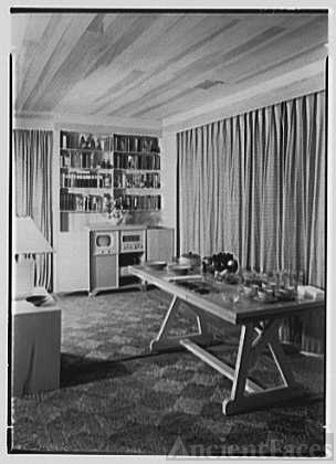 Norman Kent, residence in Weston, Connecticut. Dining...