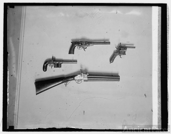 Collection of revolvers at Natl. Museum, 3/6/26