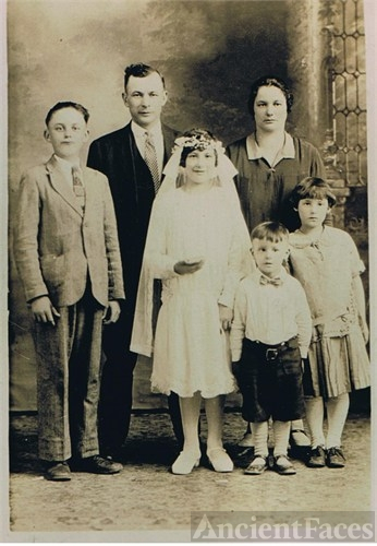 The Edward Gniadek Family, IL