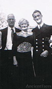 Harry Stevens with mother florinda and dad Fred
