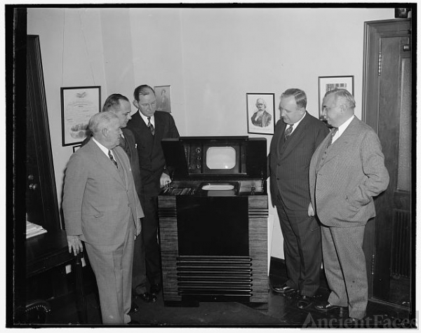 FCC Commissioners inspect latest in television....
