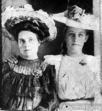 Rebecca De Friece Harmon and Nancy Caroline Harmon Terrell