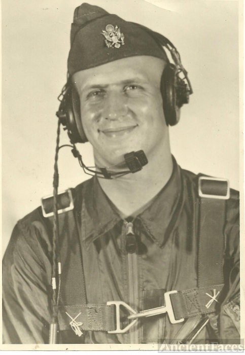 Gordon Personius, Pilot, 1952
