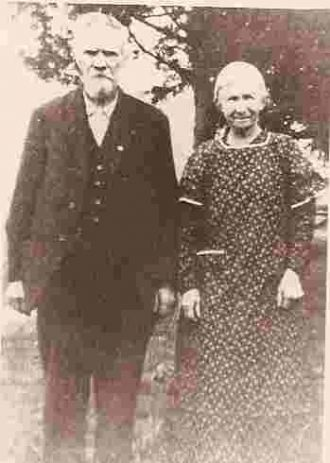 A photo of Richard and Ruth (Reffett) Mills