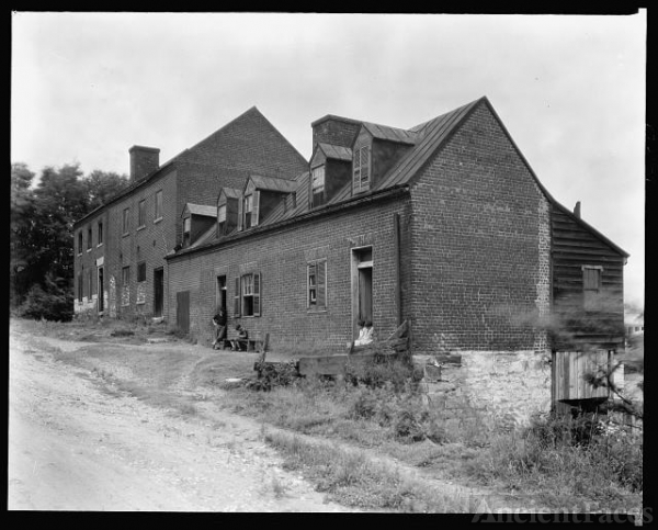 Warehouse, near railroad bridge, Fredericksburg, Virginia
