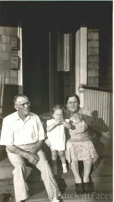 Shirley Crow & Grandparents