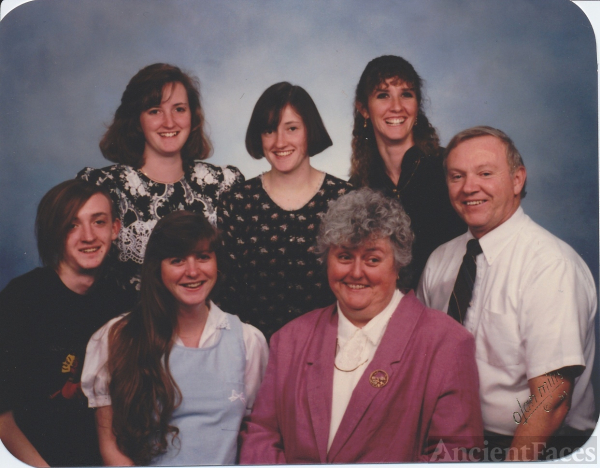 Mary L Reidt family group