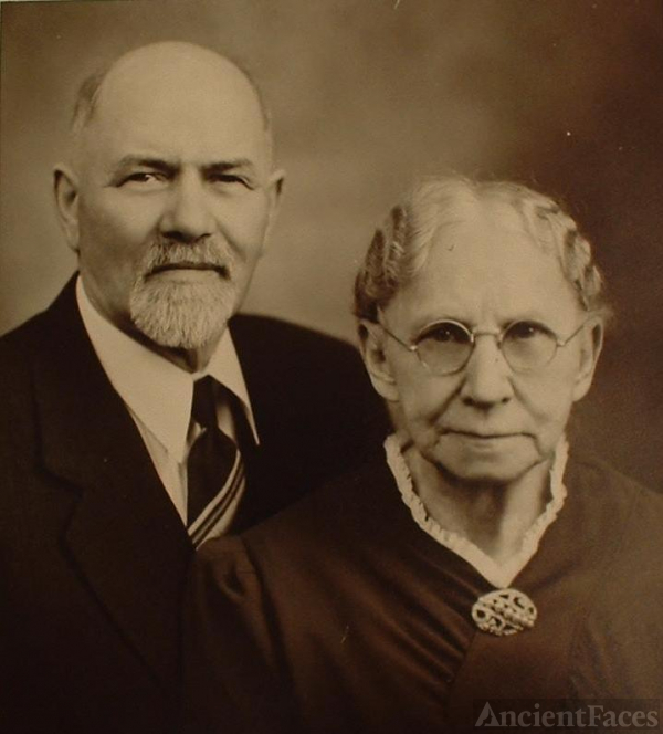 Nels H and Ann T (Nyrup) Byers