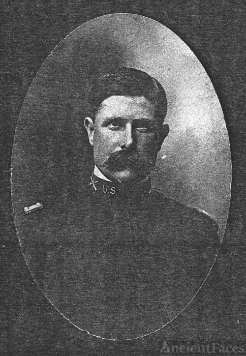 Unknown comrade of Col John L Haynes