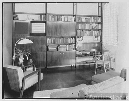 Mr. Robert Carson, residence at 340 E. 72nd St., New York...