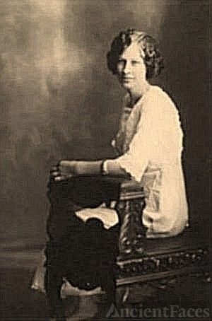 Photo of Nellie Houston