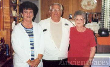 First Cousin  Betty Sue  John  Bobbie Jo Johnson in Slater Mo. 2004