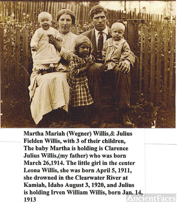 Martha Wegner Willis & Julius Willis with 3 of their children, Clarence, Leona, & Irvie
