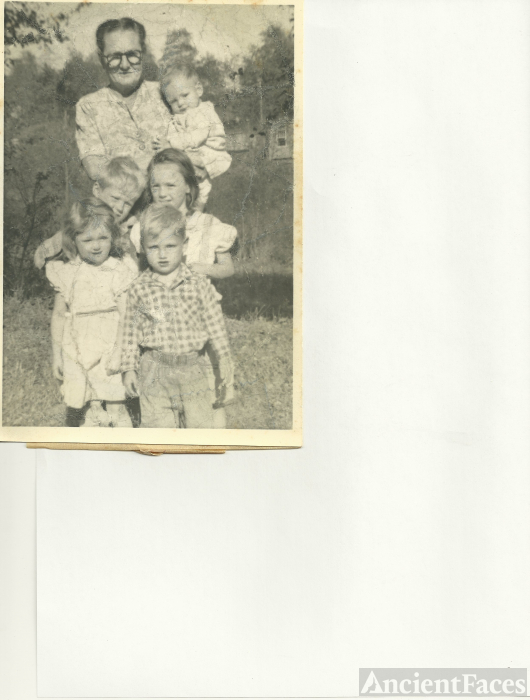 Emily Meyers & grandchildren 1955