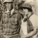 Thurmon and Bessie (Gowder) Holcomb, 1927
