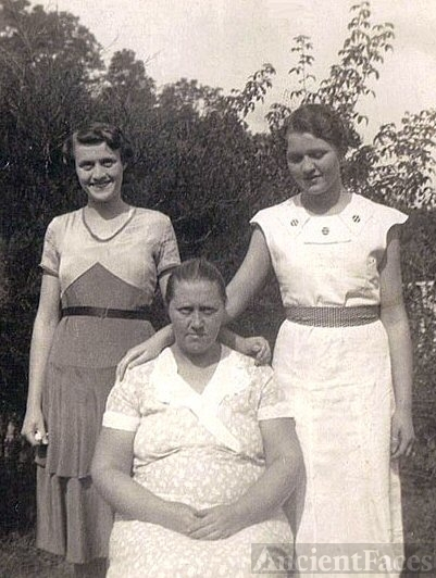 Ruth, Nancy and Mary Carter