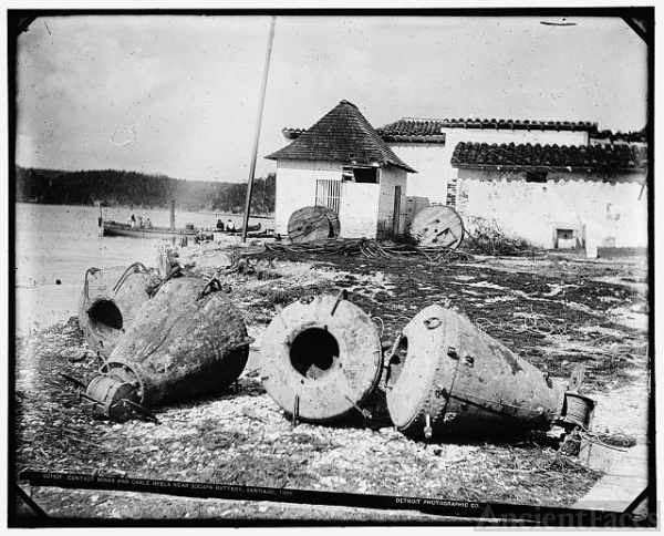 Contact mines and cable reels near Socapa battery,...