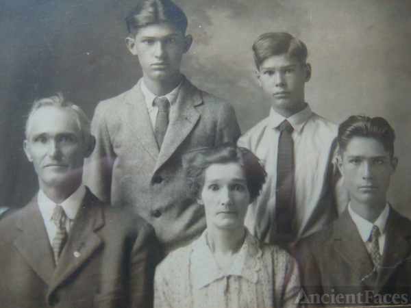 The Raleigh Heath Family, TN 1928