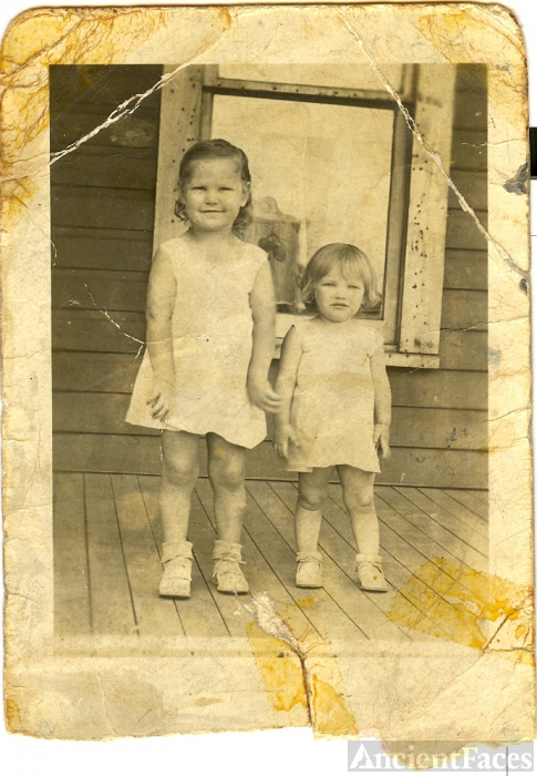 Evelyn White & Verdia Jackson, Tennessee 1936
