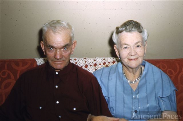 James Henry Hess Jr & Anna Hess Farnsworth