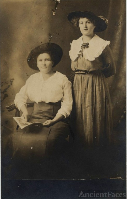 Hattie Hutson & Mary Ella Alton