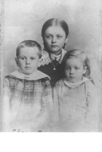 A photo of Jimmy, Clara and Jessie  Unknown