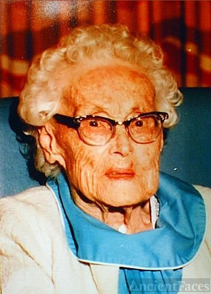 Martha (Horn) Shaffer at 100years