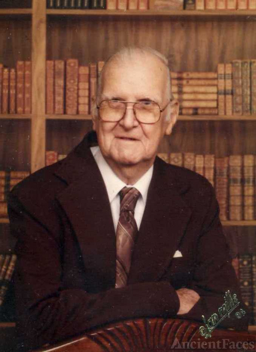 Horace Lacey Decker age 80