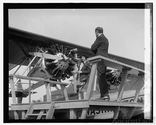 Mrs. McCracken christening plane, [5/23/29]