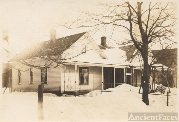 Turner home in the snow