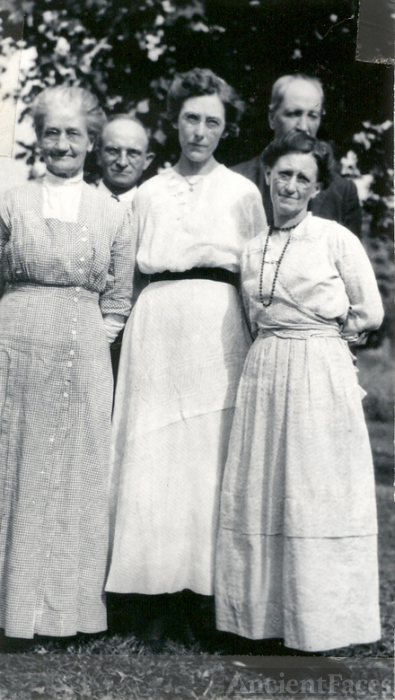 Butler relatives 1919