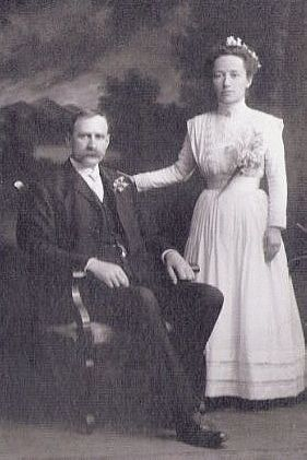 David Merchant and Martha Flora Parks Wedding Pic.