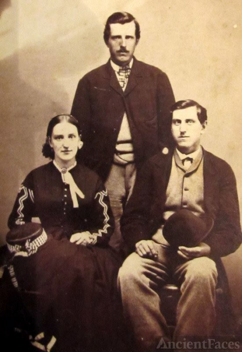Camila Dillworth, Edgar & Moses Wright